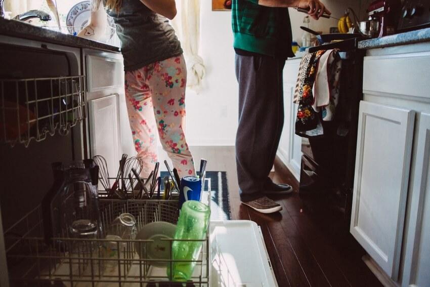 сломалась посудомойка